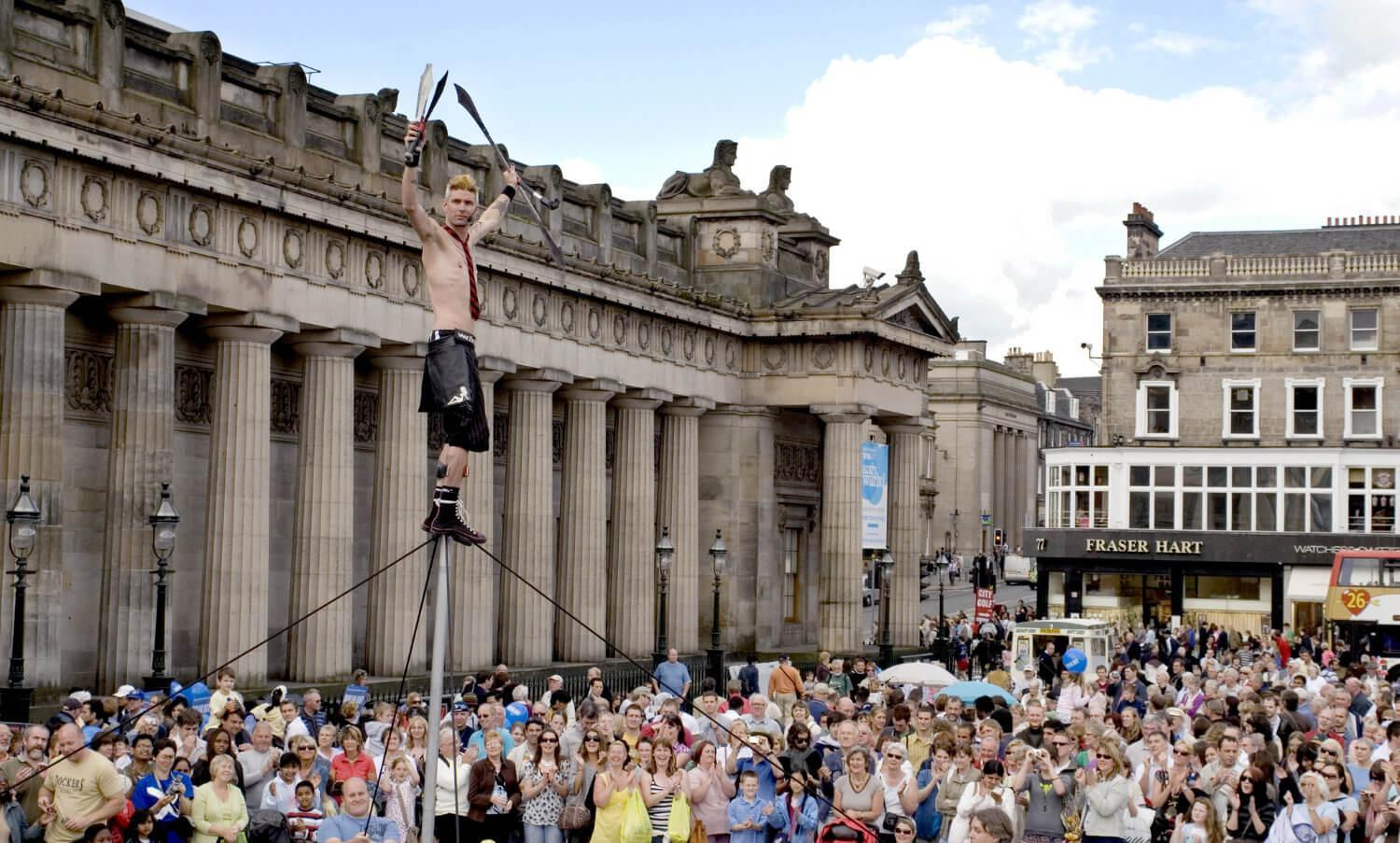 Juggler on the Mound, Edinburgh