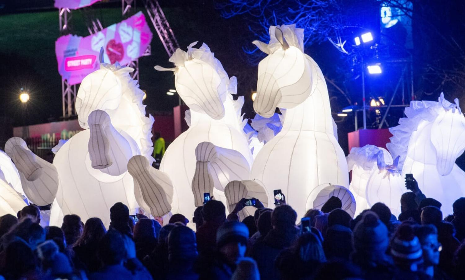 Compagnie des Quidams at the Edinburgh'ss Hogmanay Street Party
