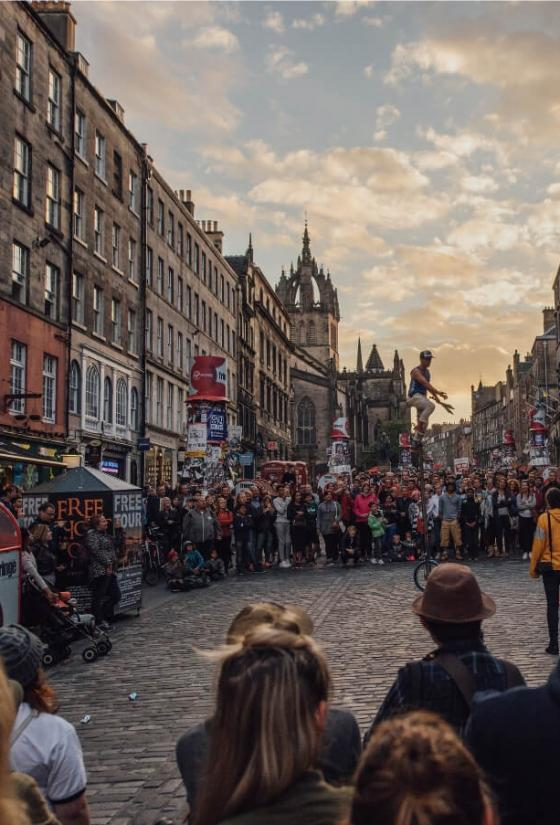 Street performance on the Royal Mile at the Fringe.